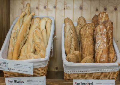 Pan blanco e integral Panadería La Gracia de Dios